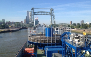 Rhine-transport-of-Cable-transport-barge